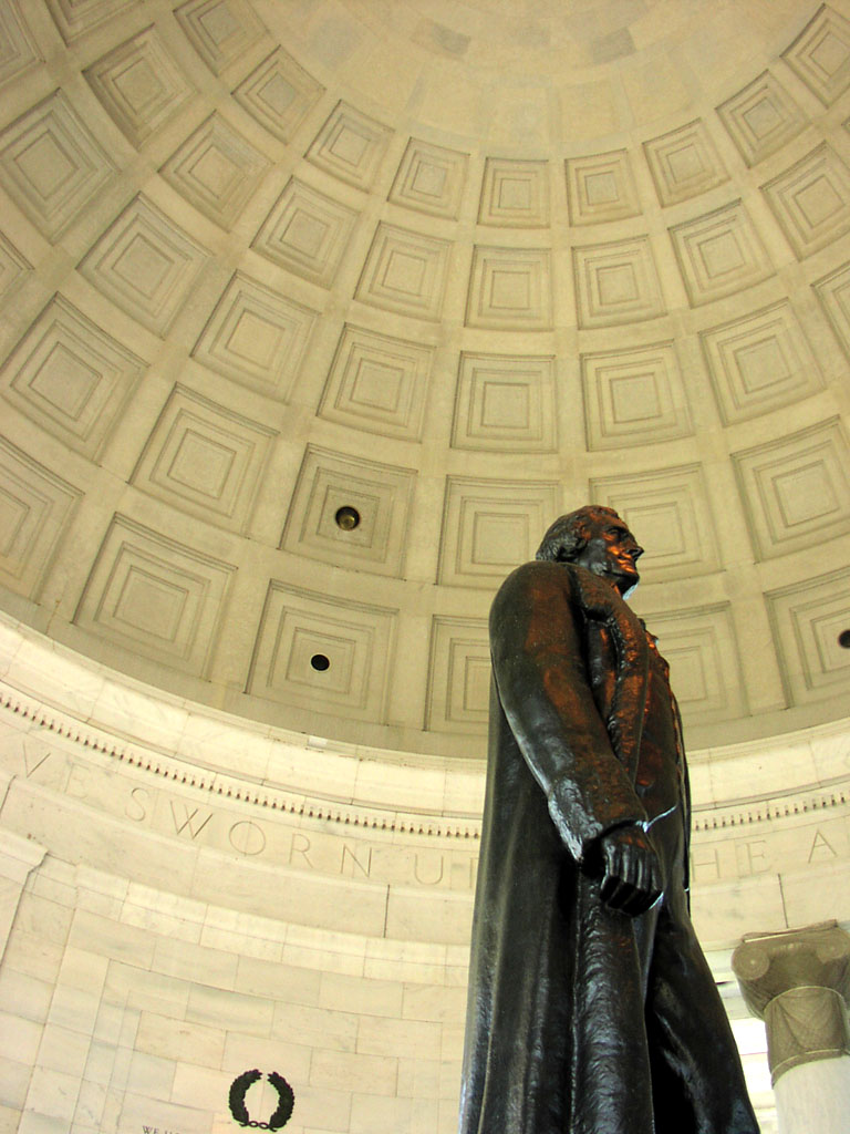 Thomas Jefferson Memorial, statue set against the dome's coffers